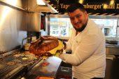 İzmir'de 5 kiloluk dev hamburger