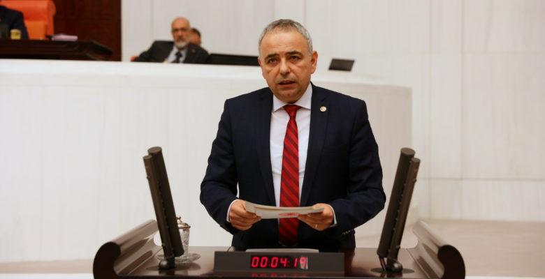 """Bakırlıoğlu,""""Hastalıklı bölgeden hayvan ithal etmişler"""""""