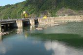 Baraj gölü bayram çöpleri ve hayvan atıklarıyla doldu