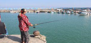 Karadeniz'de olta balıkçıları da sezondan umutlu değil