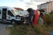 Öğrenci servisiyle tarım işçilerini taşıyan minibüs çarpıştı: 5 yaralı