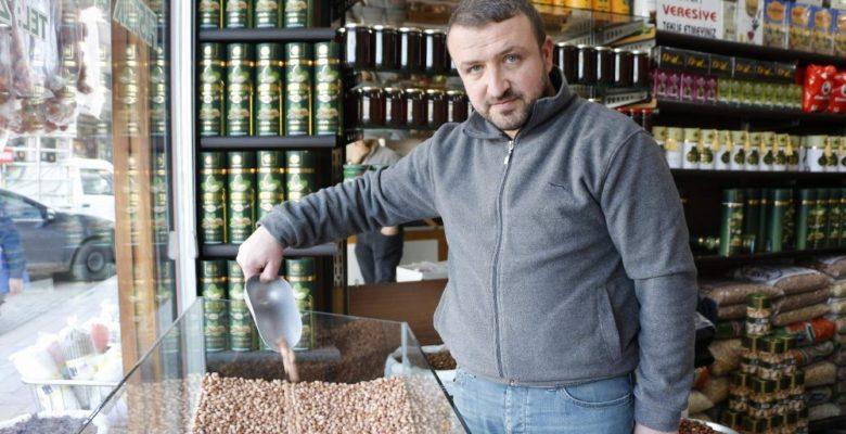 Siirt'te fıstık fiyatları altını geçti