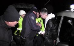 Polisi görünce kaçan sürücü, saklandığı kümeste yakalandı