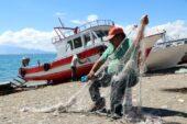 Vanlı balıkçılar, yeni av sezonuna hazırlanıyor