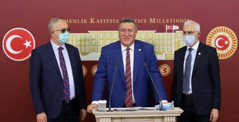 """Gürer: """"Çiftçi borçları 2026 yılına kadar ertelensin"""""""