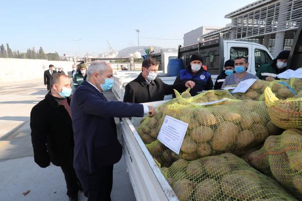 Gebze Belediyesi 25 ton patatesi dağıtmaya başladı